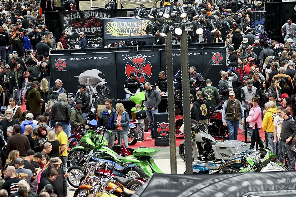 Wall to wall people on the Donnie Smith Show Floor