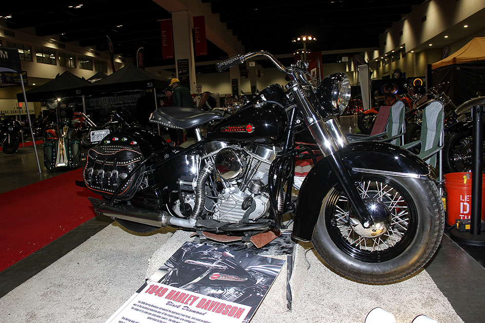 Greg Lew's panhead at the 2019 Donnie Smith Bike & Car Show